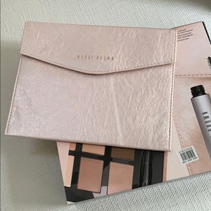 Bobbie Brown Makeup Sleeve.